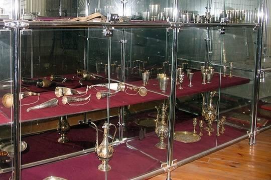 ВСмоленской области отыскали украденную вДагестане саблю персидского шаха
