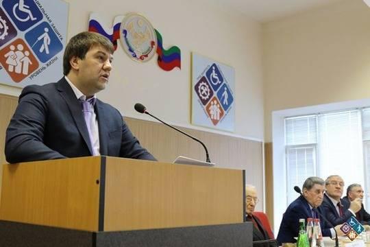 ФСБ проводит обыск уврио министра труда Дагестана