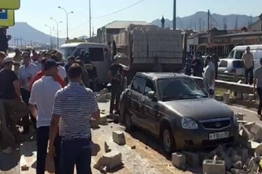 Вужасающем ДТП смаршруткой вДагестане пострадали 7 человек
