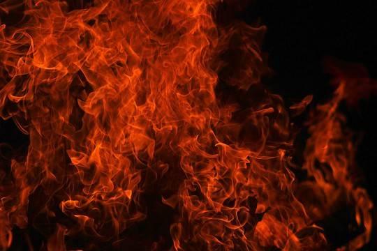 Всгоревшем вДагестане автомобиле сработало взрывное устройство