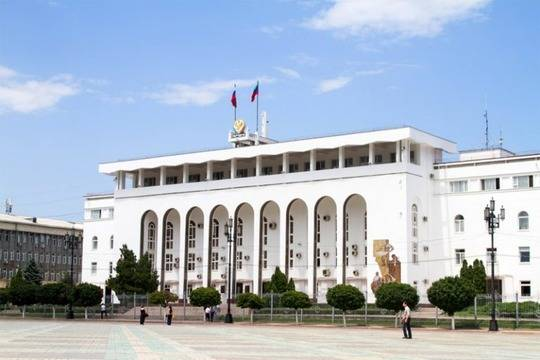 Артем Здунов сократил чиновников изчетырех министерств