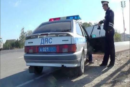 ВИнгушетии безжалостно избили сотрудника ДПС завыписанный штраф