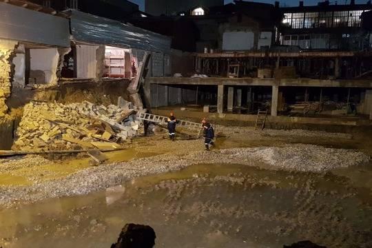 Стены вчастных домах Махачкалы обрушились из-за стройки пососедству