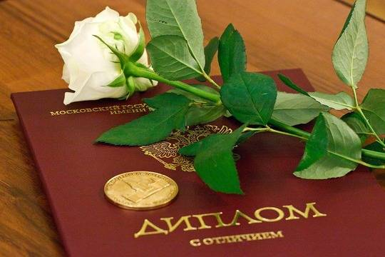 Диплом 26-летнетнего главврача клиники Владикавказа оказался поддельным