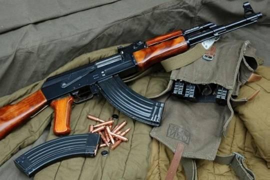 Гражданин Владикавказа открыл стрельбу изавтомата изокна квартиры